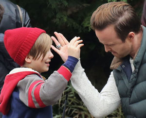 Semi-Exclusive... Aaron Paul Films 'The 9th Life Of Louis Drax' At A Fake SeaWorld